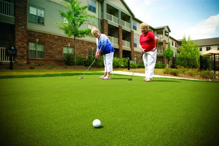 Arbor Terrace Peachtree City Putting Green