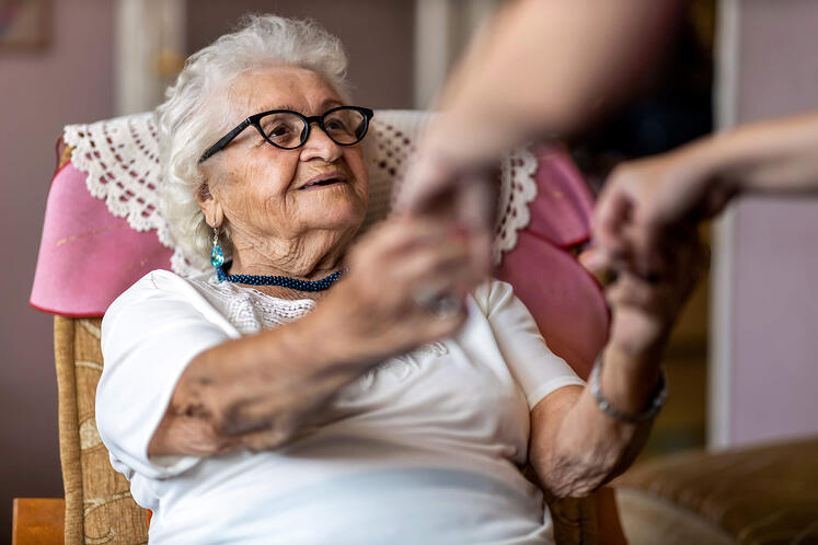 What is Assisted Living? A Complete Guide 2021