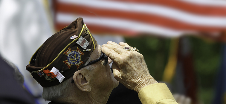 8 Ways to Honor Senior Veterans This Veterans Day