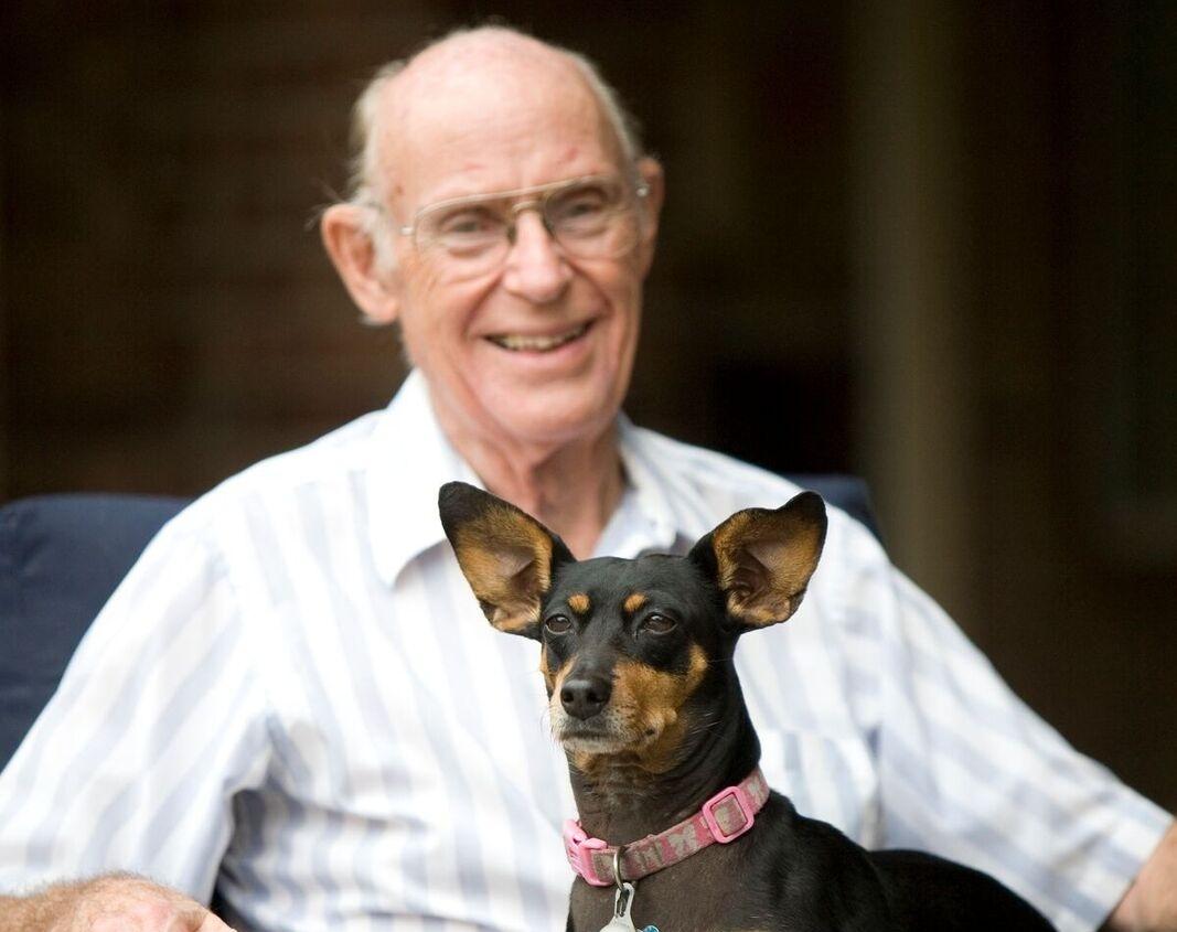 senior-living-kingwood-dogs