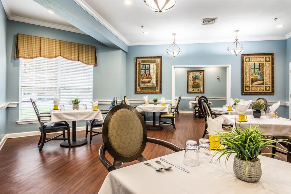 CascadeMemory_Care_Dining_Room_1