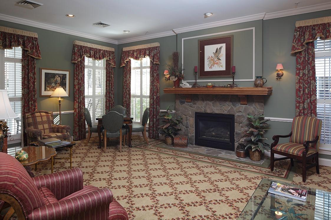 asheville-living-room-library