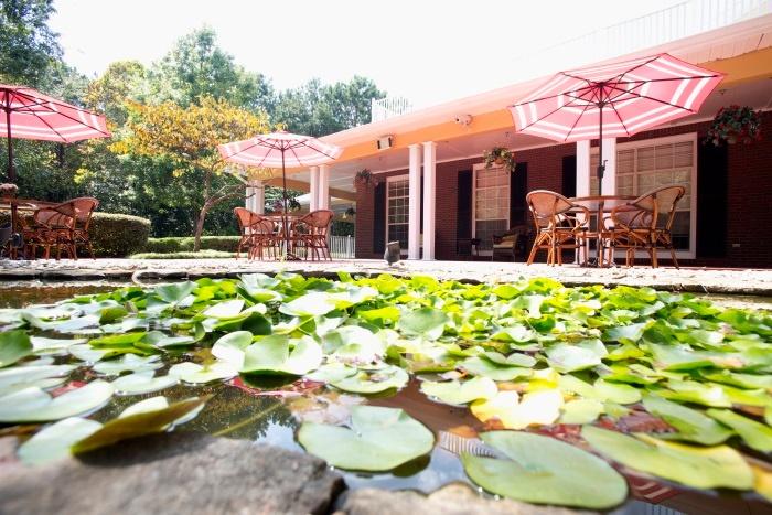 arbor-terrace-at-cascade-outdoor-patio