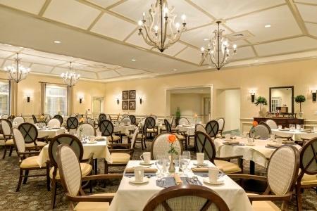 arbor-terrace-citrus-park-amenities-longboat-key-dining-room