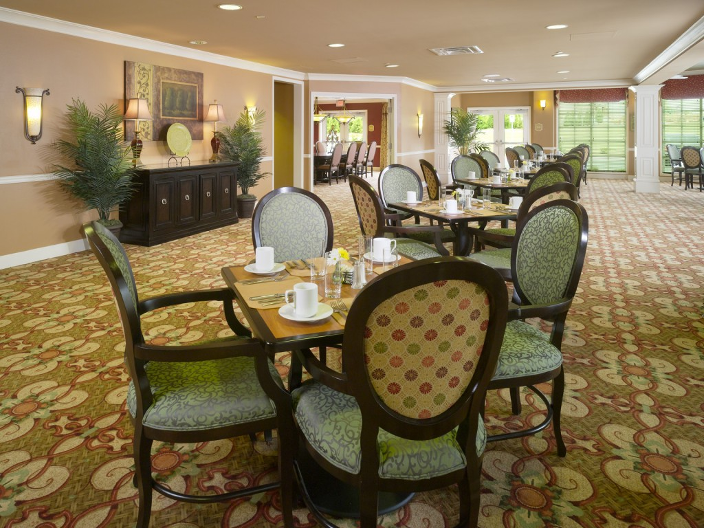 Crabapple-Dining-Room