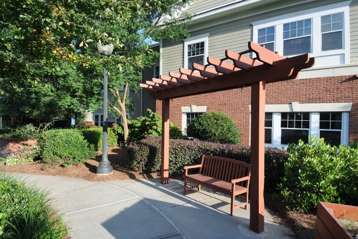 arbor-terrace-at-crabapple-evergreen-courtyard