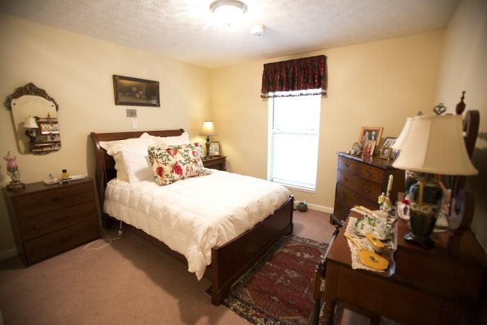 arbor-terrace-of-decatur-bedroom