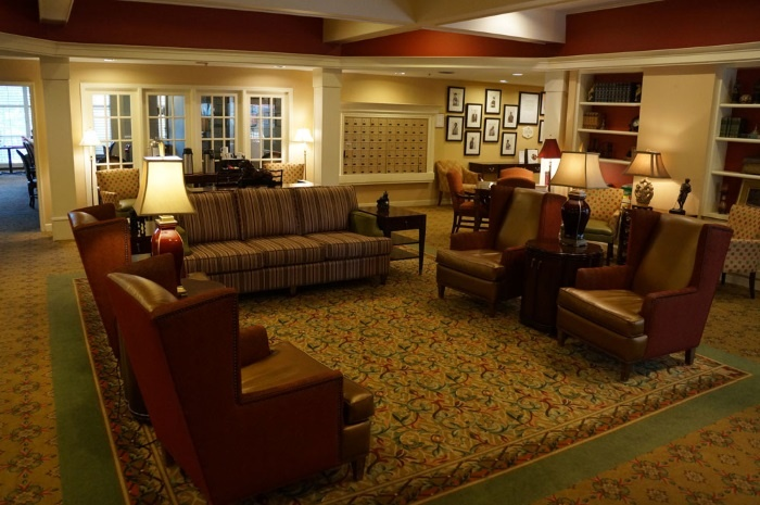 arbor-terrace-of-decatur-living-room