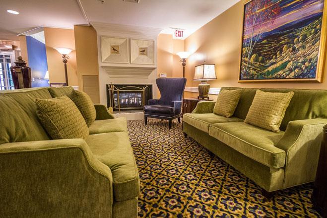 eden-terrace-of-spartanburg-living-room