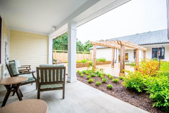 arbor-terrace-fairfax-outdoor-patio