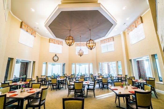 vantage-at-cityview-il-dining-room.jpg