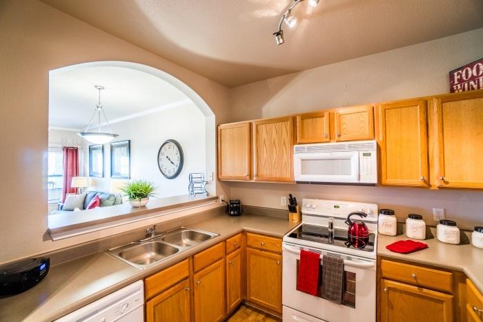 vantage-at-cityview-il-kitchen.jpg