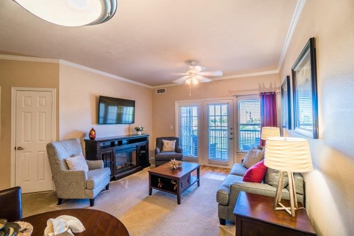 vantage-at-cityview-il-living-room-2.jpg
