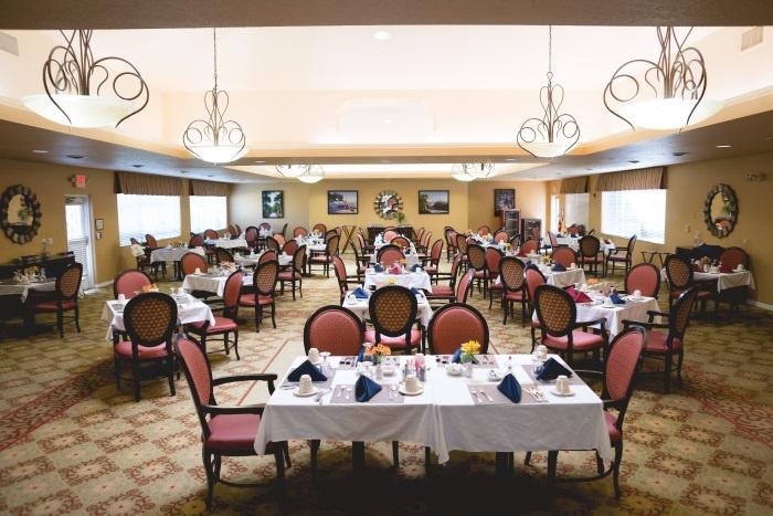 barrington-terrace-of-fort-myers-dining-area