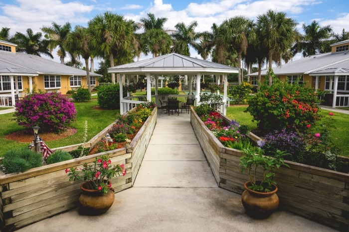 barrington-terrace-of-fort-myers-gazebo