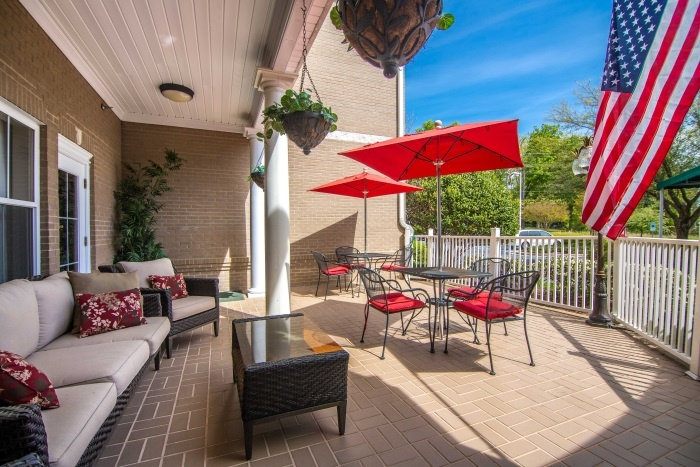 the-gardens-at-eastside-outdoor-patio