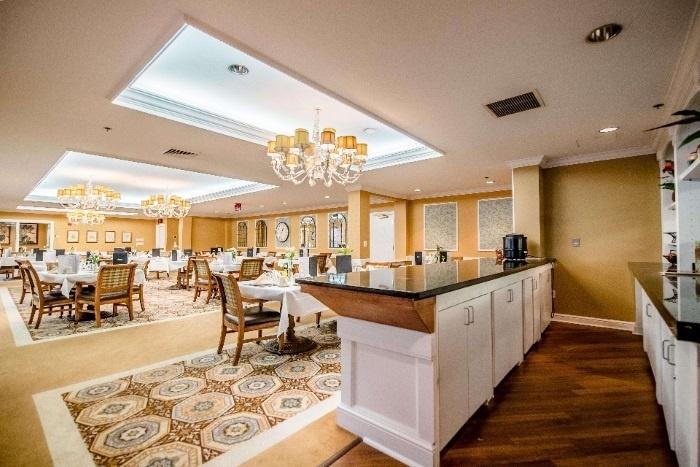arbor-terrace-senior-living-dining-area