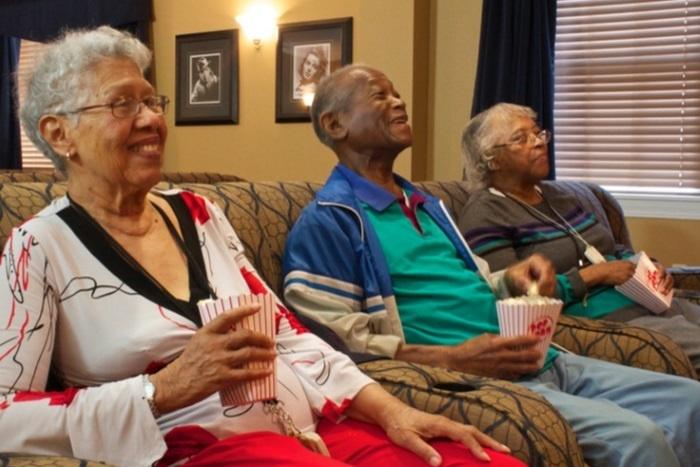 arbor-terrace-senior-living-people