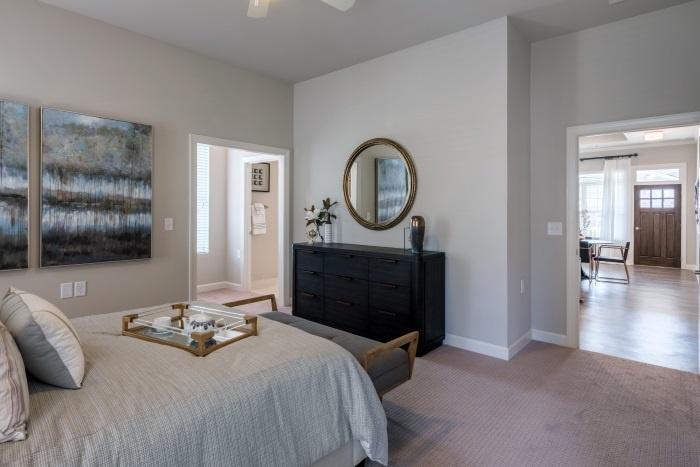 arbor-terrace-hamilton-mill-independent-living-bedroom