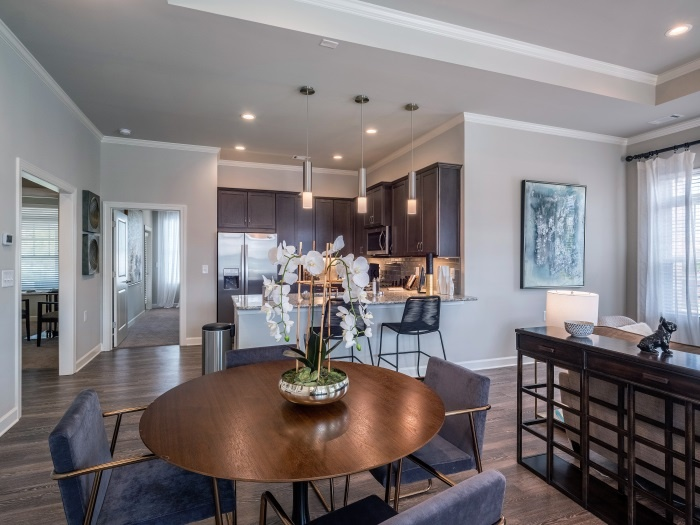 arbor-terrace-hamilton-mill-independent-living-kitchen-dining-room