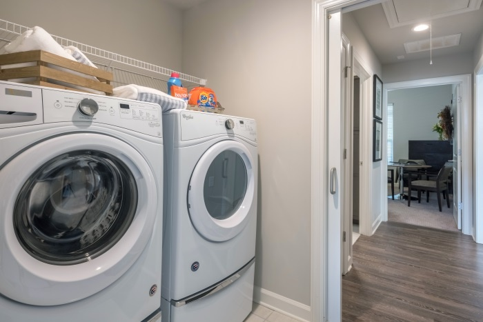 arbor-terrace-hamilton-mill-independent-living-laundry-room