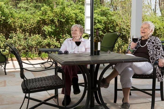 Arbor-Terrace-Herndon-lifestyle-1.jpg