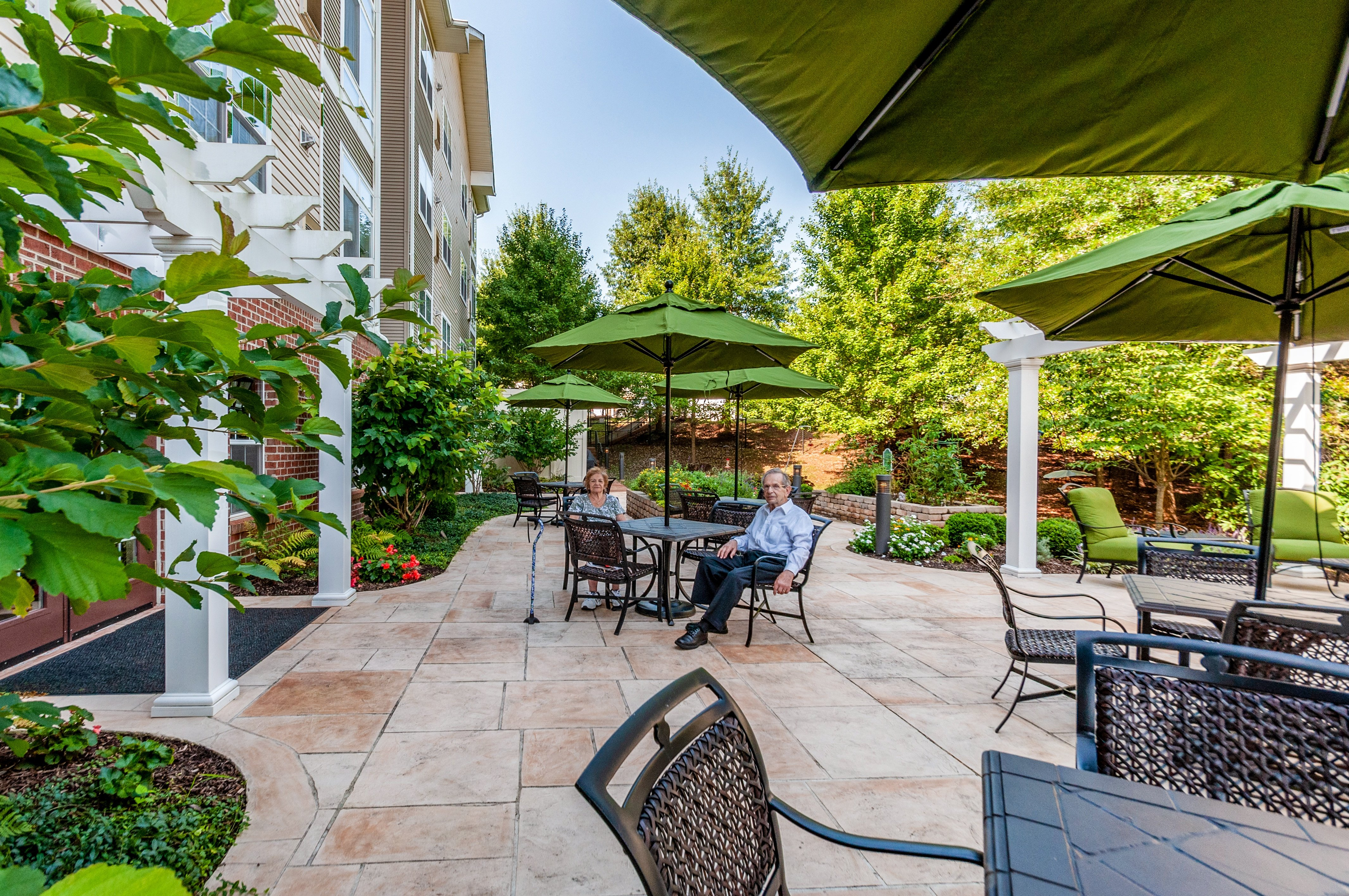 arbor-terrace-of-herndon-Back-Patio