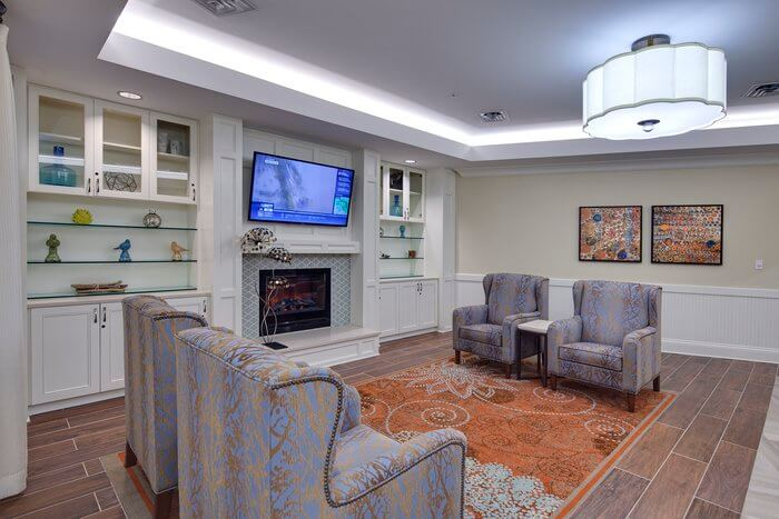 arbor-terrace-of-johns-creek-neighborhood-living-space-2