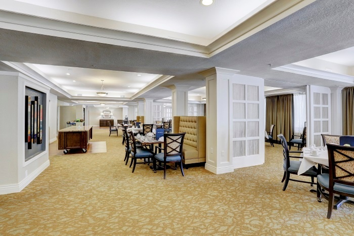 arbor-terrace-at-kingwood-town-center-dining-area-3