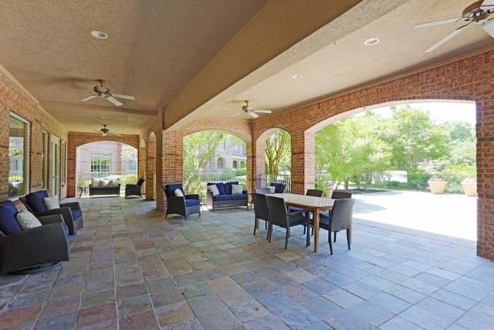 arbor-terrace-at-kingwood-town-center-outdoor-patio