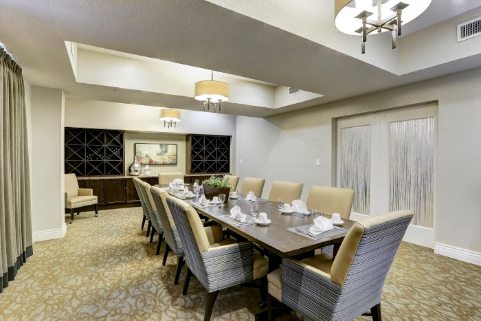 arbor-terrace-at-kingwood-town-center-private-dining-area