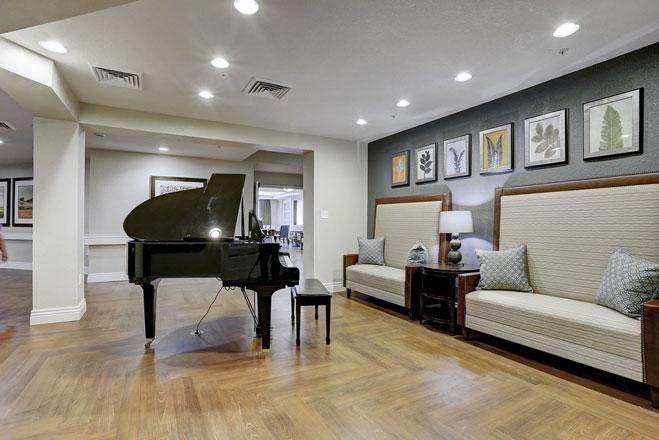 Kings-Crossing-2807-IMG-14-Piano-Room-1024x683-resized.jpg