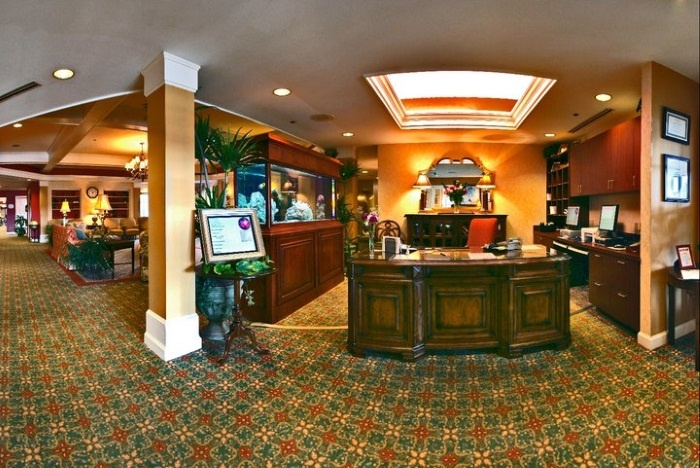 arbor-terrace-of-knoxville-lobby