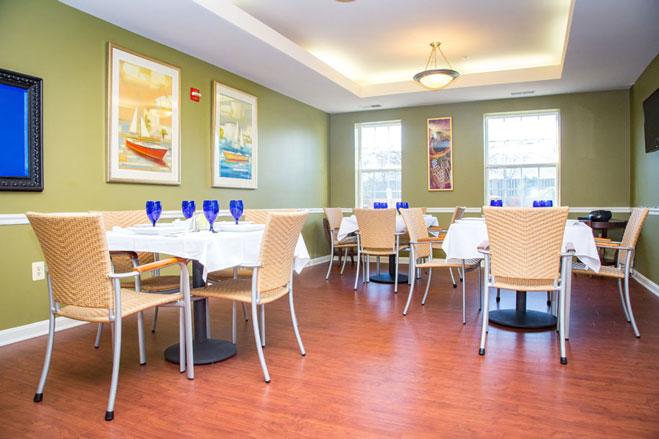 Arbor-Terrace-Sudley-Manor-dining-room.jpg