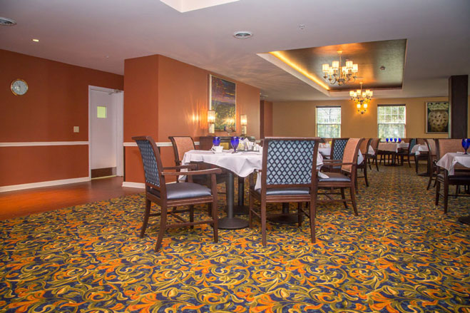 Arbor-Terrace-Sudley-Manor-dining-room