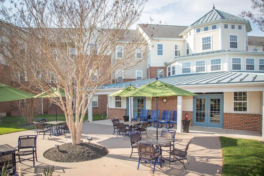 sudley-manor-patio