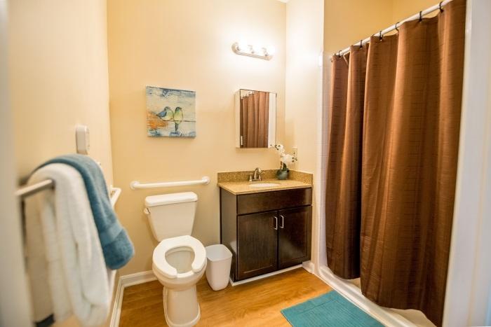 arbor-terrace-sudley-manor-bathroom