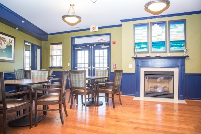 arbor-terrace-sudley-manor-dining-area