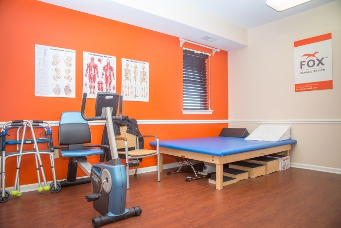 arbor-terrace-sudley-manor-rehabilitation-room