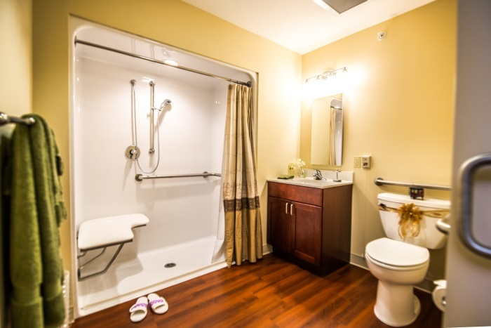 arbor-terrace-middletown-bathroom