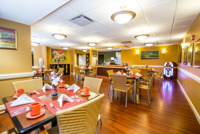 arbor-terrace-middletown-dining-area-3