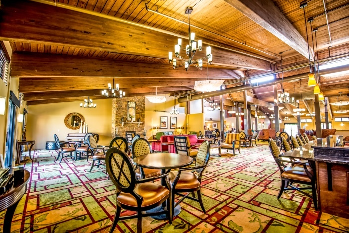 arbor-terrace-middletown-dining-area