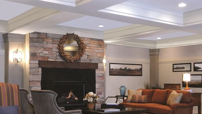 arbor-terrace-peachtree-city-fireside-living-room