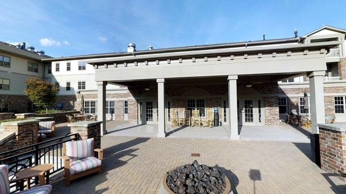 arbor-terrace-peachtree-city-outdoor-patio