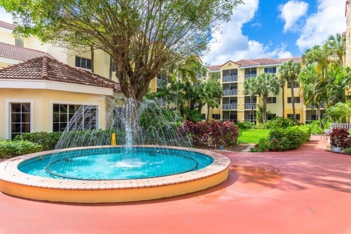 the-preserve-at-palm-aire-fountain