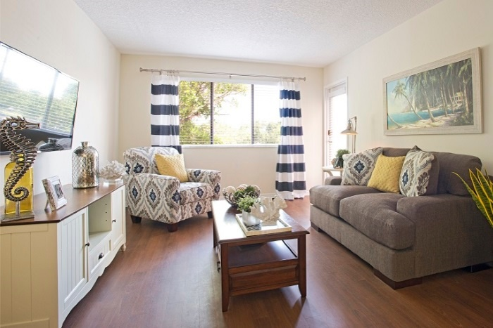 the-preserve-at-palm-aire-living-room-2