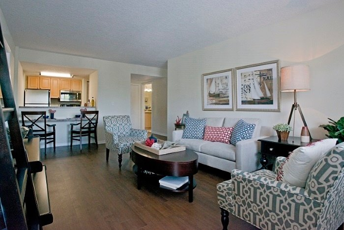 the-preserve-at-palm-aire-living-room