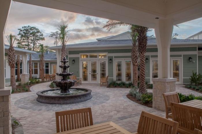 arbor-terrace-ponte-vedra-outdoor-patio