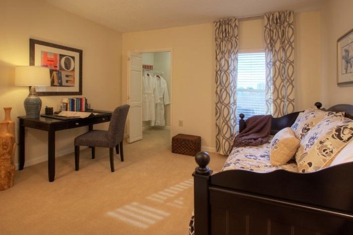 renaissance-on-peachtree-bedroom-2