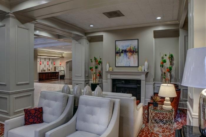 renaissance-on-peachtree-neighborhood-living-space